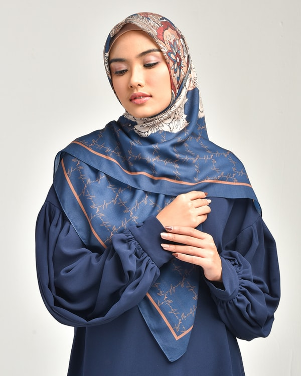 Glamour Navy Scarf